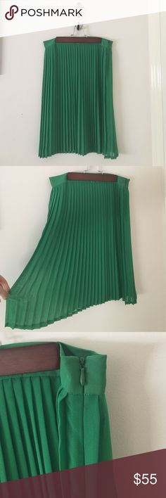 Chiffon green swing skirt Green midi skirt from Chiffon by American Apparel that is fun for anywhere you go! 100% polyester and made in the USA! Let me know what you think by leaving a comment below! Also, go check out my other listings to find the perfect clothes and accessories for you! 😄 American Apparel Skirts Midi
