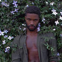 Photography ideas for men male poses backgrounds best Ideas Black Is Beautiful, Beautiful Boys, Beautiful People, Fotografie Portraits, Aesthetic People, Hommes Sexy, Pretty People, Black Men, Cute Black Boys