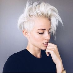 Looking for latest hair color ideas for your short hair? In this post you will find best images of 35 New Hair Color for Short Hair that you will in love! Hair Inspo, Hair Inspiration, Short Hair Cuts, Short Hair Styles, Short Wavy, Short Blonde, Short Platinum Blonde Hair, Long Pixie, Pixie Cuts