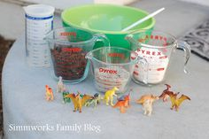 DIY Kids Crafts! DIY Dinosaur Fossils are perfect for spring and summer!