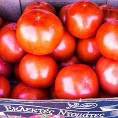 Tomatsoppa tomatsås fyllda tomater eller bara . De kallas inte för bifftomater men är biffiga trots det . Köptes direkt från odlaren   #Grekland#husigrekland #Peloponnesos#remotework