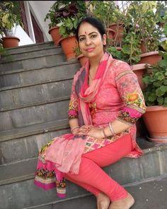 10 Most Beautiful Women, Beautiful Dresses For Women, Beautiful Suit, Most Beautiful Indian Actress, Girls Fashion Clothes, Girl Fashion, Beautiful Girl Dance, Plus Size Mini Dresses, Desi Girl Image