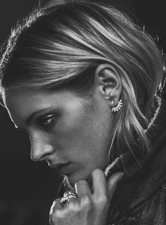 Yvonne Léon boucle d'oreille