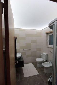 Badkamer met transparant pvc spanplafond