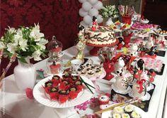 mesa decorada festa kokeshi