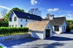 Yankee Barn Home curb appeal.