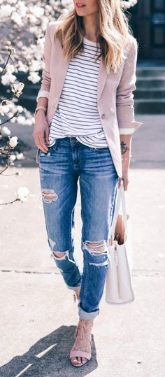 Blush blazer spring casual. Get more inspo at www.HerStyledView.com