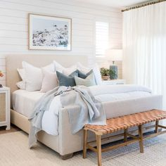 Coastal Master Bedroom, Airy Bedroom, Room Ideas Bedroom, Master Bedroom Design, Dream Bedroom, Home Bedroom, Master Bedroom Chandelier, Apartment Master Bedroom, Small Modern Bedroom
