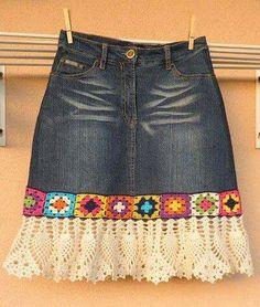 - Feli K - denim crochet skirt . denim crochet skirt Más Learn the basics of how to needlework (generic term), at the very first. If you're brand new to needlecra Black Crochet Dress, Crochet Skirts, Crochet Clothes, Crochet Lace, Crochet Edgings, Crochet Cardigan, Sewing Clothes, Artisanats Denim, Denim Skirt