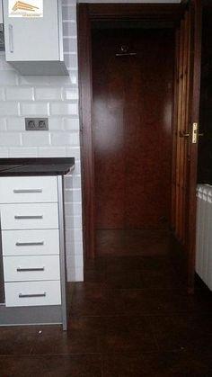 Piso en venta en Pº Zorrilla - Cuatro de Marzo en Valladolid por 130.000 € en Valladolid en WALLAPOP Closet, Home Decor, Bus Station, Real Estate, March, Floors, Yurts, Armoire, Decoration Home