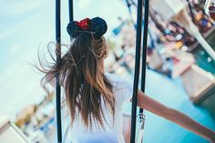 if someone were to take a picture of me like this I would love them forever Disney Land Pictures, Disney Pics, Disney Day, Disney 2017, Walt Disney, Cute Disney, Disneyland Photography, Disneyland Photos, Disneyland Trip