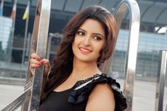 Pori Moni is a Bangladeshi model, TV and film actress, who gained huge public attention through her talent and glamor. Pori Moni, Celebs, Celebrities, Hot Actresses, India Beauty, Beauty Women, Hair Color, Sexy, Model