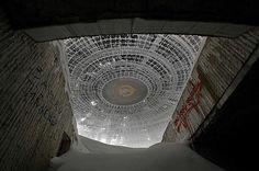Antiguo monumento de la era comunista abandonado en Buzludzh, Bulgaria
