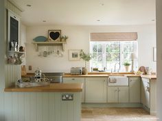 Modern Country Style: Farrow and Ball Shaded White: Colour Case Study Click through for details. Kitchen Paint, Home Decor Kitchen, New Kitchen, Kitchen Cabinets, Kitchen Ideas, Wall Cupboards, Kitchen Layout, Rustic Kitchen, Painted Kitchen Cupboards