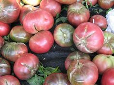 The 7 Deadly Sins of Tomato-Growing & How to Avoid Them - cracked tomatoes Seven problems growing tomatoes - Growing Tomatoes Indoors, Tips For Growing Tomatoes, Growing Tomato Plants, Tomato Seedlings, Easy Plants To Grow, Growing Tomatoes In Containers, Growing Vegetables, Grow Tomatoes, Baby Tomatoes