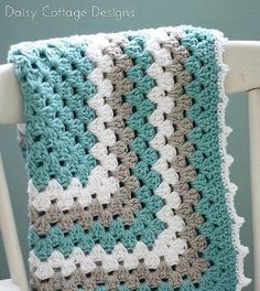 Nana's Favorite Baby Blanket harnesses the power of a never-ending granny square to bring you an adorable and easy crochet baby blanket!