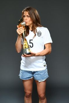Kelley O'Hara, outtakes from Sports Illustrated commemorative World Cup covers. (Simon Bruty/Sports Illustrated)