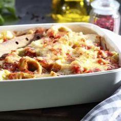 Tortellini, Schinken und Käse in einer cremigen Soße: Dieses Gericht liebt die ganze Familie! Es ist außerdem perfekt für Anfänger geeignet, denn die Zubereitung ist kinderleicht.