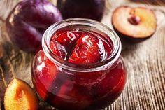 Ev yapımı şekersiz reçel tarifi... Özellikle diyabet sorunu olanlar bu reçeli gönül rahatlığıyla tüketebilirler. http://www.hurriyetaile.com/yemek-tarifleri/recel-ve-marmelat-tarifleri/ev-yapimi-sekersiz-recel-tarifi_2973.html