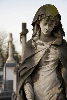Stone Statues of Women. Cemetery Angels, Cemetery Statues, Cemetery Headstones, Old Cemeteries, Cemetery Art, Angel Statues, Graveyards, Buddha Statues, Sketch Lion