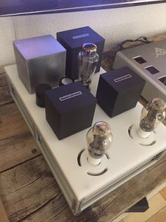 Officina Tron-audio Switzerland: L'amplificateur SE 300B-iS Officina Tron-audio Audiophile, Vacuum Tube