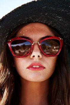 1878 melhores imagens de oculos em 2019   Sunglasses, Eye Glasses e ... bbfd8e1245