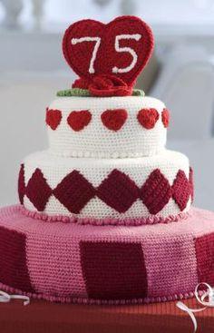Trendy Fondant Cake Crochet Pattern