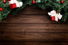 Christmas border on a wooden background Free Photo Christmas Border, Christmas Background, Christmas Tree, Facebook Cover Images, Free Frames, Digital Backdrops, Backgrounds Free, Christmas Decorations, Holiday Decor