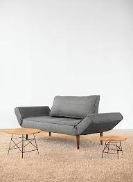ZEAL design bank Innovation Living - slechts 589 EUR (donker houten pootjes)!  Perfect combineerbaar met een FIFTYNINE Innovation Living fauteuil wanneer in dezelfde kleur:  sand begum (zand stof, iets grover dan flashtex precies) (501) of sand flashtex (219)