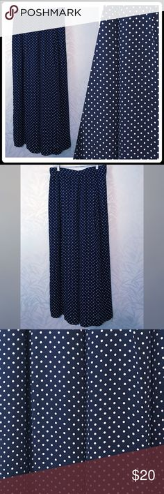 Navy & White Palazzo Pants Size 12 Navy & White Palazzo Pants  These pants are full length and are very full as to look like a maxi skirt. Size 12 100% Polyester  Excellent Used Condition New Classics Pants