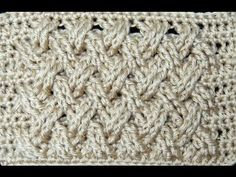 Variación del Punto Entrecruzado en Crochet, esta vez en forma plana.