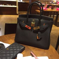 30 black gold hermes birkin bag An top inspired version of birkin bag from China, this is one of the top togo leather same as the factory, exactly handmade, 18k hardware. Vemo or PayPal direct for 800. If you interest in it, make bit or free to contact me! Hermes Bags