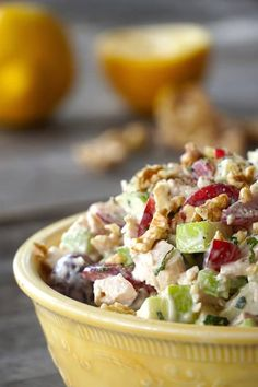 This classic CHICKEN WALDORF SALAD is all about the interesting combination of fruit, vegetable, nuts and chicken tossed in a tangy dressing. Waldorf Salad Recipe Easy, Waldorf Chicken Salad, Cucumber Recipes, Chicken Salad Recipes, Healthy Salad Recipes, Summer Recipes, Easy Dinner Recipes, Lunch Recipes, Salad Dressing Recipes