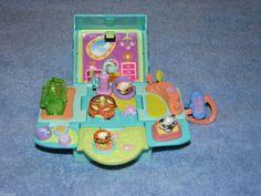 Little Pet Shop Toys, Little Pets, Childhood Tv Shows, Childhood Toys, 90s Kids Toys, Lps Toys, Doll Furniture, Cats And Kittens, Dolls