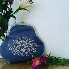 #Embroidery#stitch#needlework  #프랑스자수#일산프랑스자수#자수 #커다란 프레임파우치  완성 ! ~  시원타 ~~