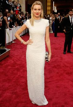Naomi Watts in Calvin Klein Collection at the 2014 Academy Awards | Getty Images | blog.theknot.com