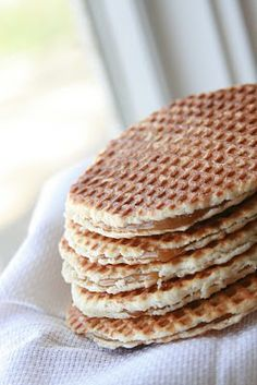 Sinful Southern Sweets: Stroopwafels - I am definitely making these!!