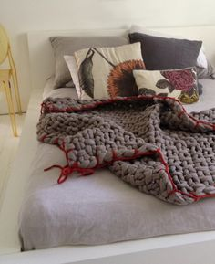 Little Dandelion - huge scale knitting by Jacqui Fink Chunky Knit Throw, Chunky Yarn, Textiles, How To Purl Knit, Knitted Throws, Arm Knitting, T Shirt Yarn, Handmade Decorations, Diy Projects To Try