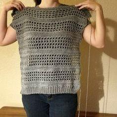 Simple Crochet Sweater Pattern Simple Crochet Sweater Pattern,Tığ işi örgü modelleri Making your own sweater is so much easier than you might think! For this Simple Crochet Sweater Pattern, all you need is Crochet Cardigan Pattern, Crochet Tunic, Crochet Clothes, Crochet Vests, Crochet Sweaters, Crochet Dresses, T-shirt Au Crochet, Pull Crochet