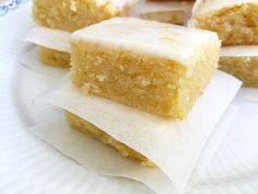 recetas delikatissen postres rápidos postres fáciles lemon brownie glaseado de limón Brownie de limón bizcochos caseros bizcocho de limón
