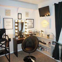 So chic! We are LOVING @beautybyalyssacostilla's high-contrast #blackwhitegold vanity room featuring her #ImpressionsVanityGlamourXL!  #vanityinspo  #repost @beautybyalyssacostilla Loving my new chair! It's so comfortable  @impressionsvanity  Featured: Impressions Vanity Glamour XL in Black with Frosted LED Bulbs and Impressions Vanity Tufted Vanity Chair