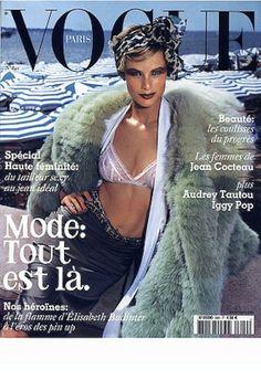 Carolyn Murphy, Mario Testino, september 2003 Ford models on the cover of Vogue Paris Carolyn Murphy, Mario Testino, Audrey Tautou, Vogue Magazine Covers, Vogue Covers, Vogue Us, Vogue Korea, Double Denim, Vogue Fashion