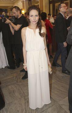 Veronika Arichteva Ale, Celebrity, Summer Dresses, Beauty, Fashion, Summer Sundresses, Moda, Beer, Sundresses