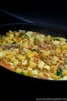 kotrecepten: Gemakkelijk eenpansgerecht met gehakt Multicooker, Camping Meals, Camping Recipes, Camping Tips, One Pot Meals, Budget Meals, Potato Recipes, Casserole, Macaroni And Cheese