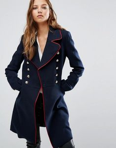 Het wordt steeds kouder, dus het is weer tijd om je winterjas tevoorschijn te halen. Kan je garderobe wel een nieuw exemplaar gebruiken? Dan is deze jas zeker de moeite waard!