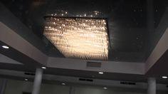 Dekoracyjne oświetlenie restauracji. Zestawy Mgławice wykorzystano do stworzenia gwieździstego nieba w suficie napinanym.