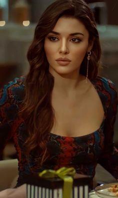 Indian Natural Beauty, Turkish Beauty, Angelina Jolie Face, Ileana D'cruz Hot, Dark Makeup Looks, Cute Girl Hd Wallpaper, Taehyung, Hande Ercel, Beauty Full Girl