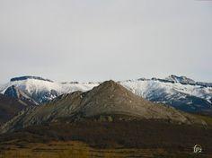 Peña Tremaya sin nieve en el parque natural fuentes carrionas y fuente cobre en la montaña palentina.