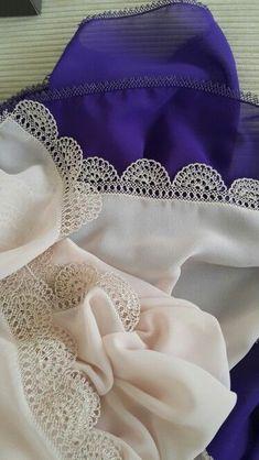 İğne Oyalarım added a new photo. Freeform Crochet, Filet Crochet, Crochet Lace, Needle Lace, Bobbin Lace, Hand Embroidery Dress, Embroidery Stitches, Crochet Designs, Crochet Patterns