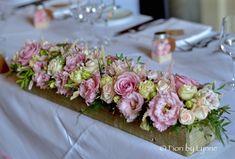 Bildergebnis für wood slices flowers arrangement